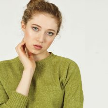 T-lab Alana womens sweater green model crop square