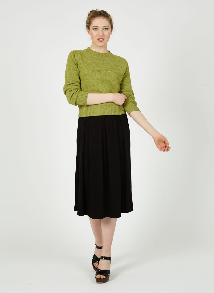 T-lab Alana womens sweater green model full