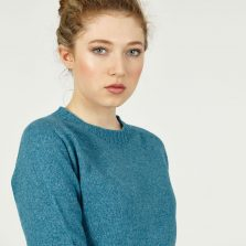 T-lab Alana womens sweater kingfisher model crop square