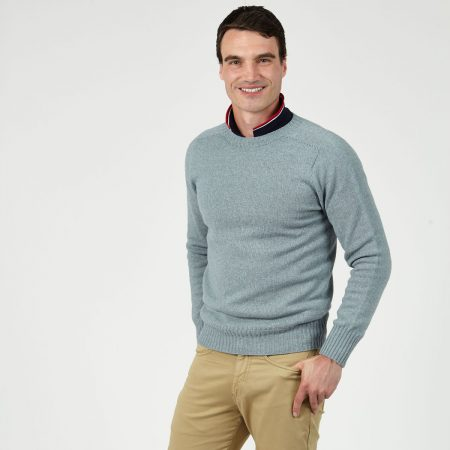T-lab Bruce mens sweater drift model crop2